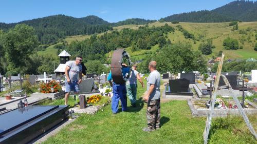Kríž nový cintorín - výmena